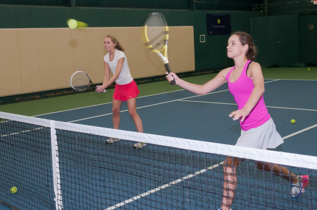 dating for tennis players Tennis – health benefits share players use racquets to hit a ball it has been calculated that an hour-long game of singles tennis burns around 600.